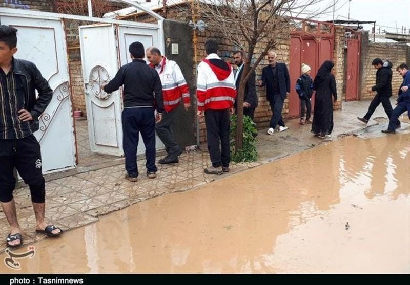 خسارت سیلاب به روستاهای کوهدشت؛ اقلام امدادی توزیع شد