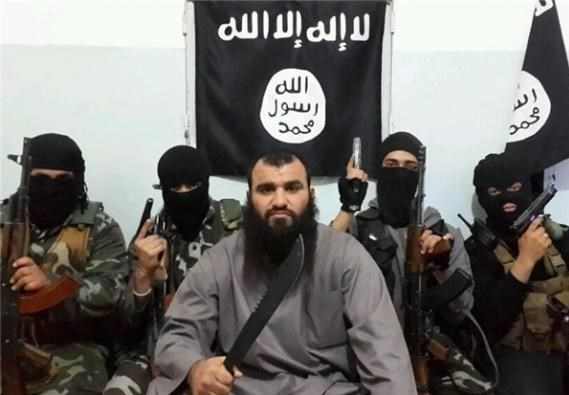 طائرة عسکریة أمریکیة تنقل 29 داعشیاً الى الجزائر