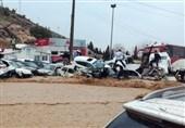 ارتفاع حصیلة ضحایا السیول فی شیراز الى 18 قتیلاً و94 مصاباً