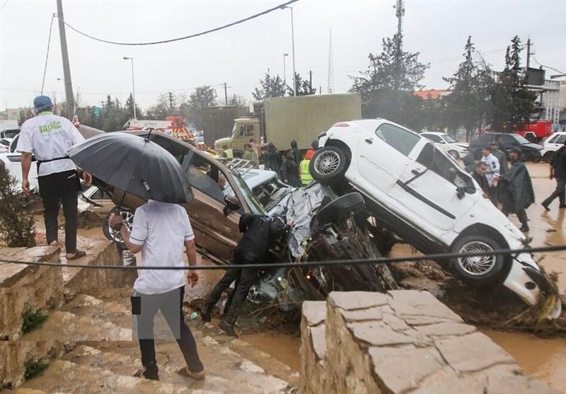 ۵۰۰ میلیون تومان به خانوارهای سیلزده در شیراز پرداخت شد