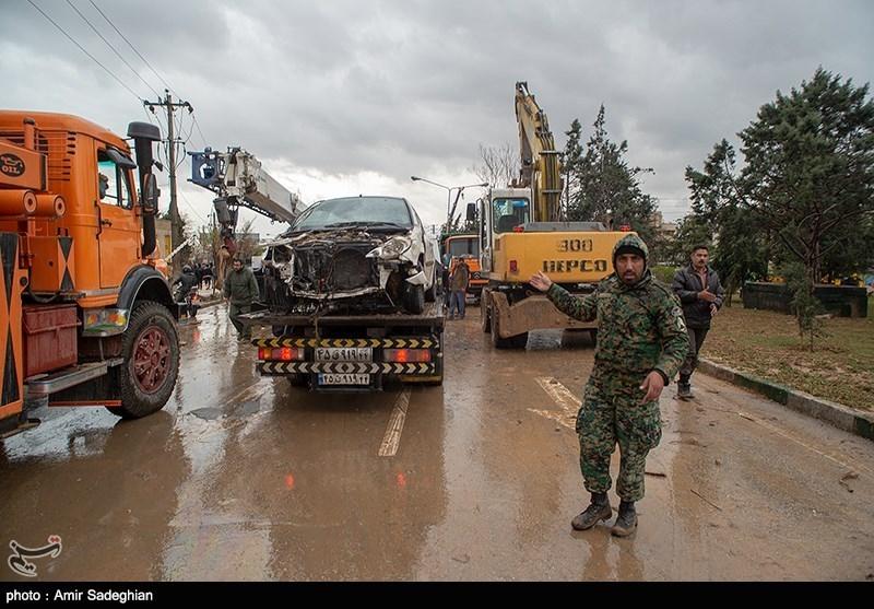 نجات معجزهآسای یک خانواده گرفتارشده در سیلاب شیراز توسط یگان ویژه