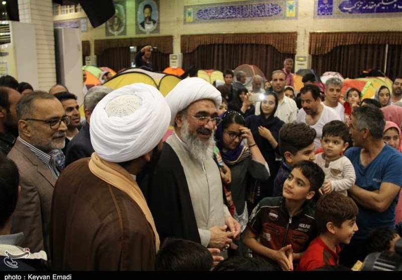 بادید نماینده ولی فقیه در استان بوشهر از کمپ اسکان مسافران+تصاویر