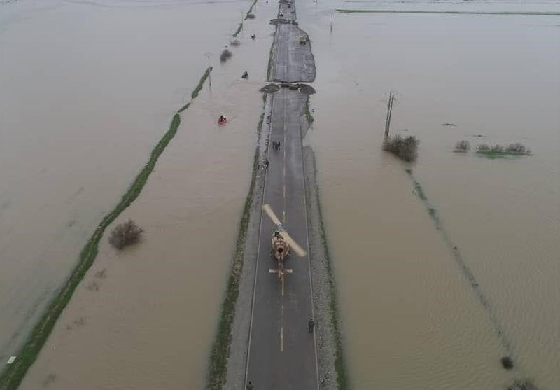 Iranian Armed Forces Taking Lead in Helping Flood Victims