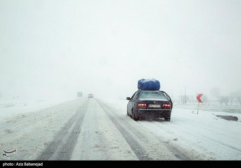 آخرین وضعیت راهها|برف و باران در جادههای 22 استان/ ترافیک سنگین در آزادراه تهران ـ کرج