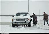 کرمانشاه| سیلاب و بارش برف راه دسترسی به روستاهای سنقروکلیایی را مسدود کرد