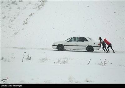 ایران کے شہر خرم آباد میں شدید برف باری