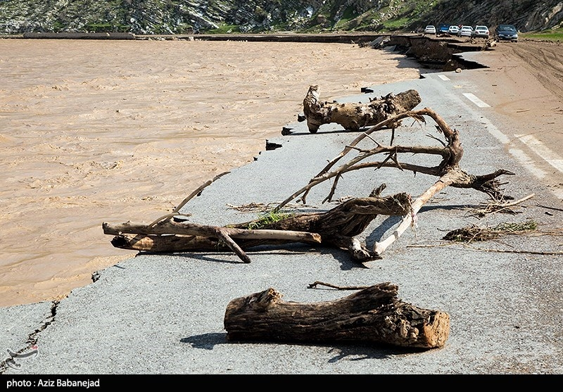 خسارات سیل به جاده خرم آباد به پل دختر - لرستان