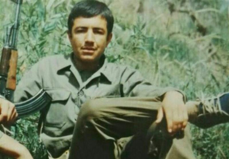 معلمی که خبر شهادت همسرش را از دانشآموزان شنید/ «علی طاهری» شهید پهلو شکسته + فیلم