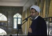 امام جمعه کرمان: دولت باید پیشگام مبارزه با فساد باشد