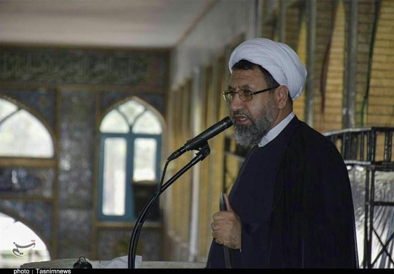 امام جمعه کرمان: هزینه سازش با آمریکا بسیار بیشتر از مقاومت است