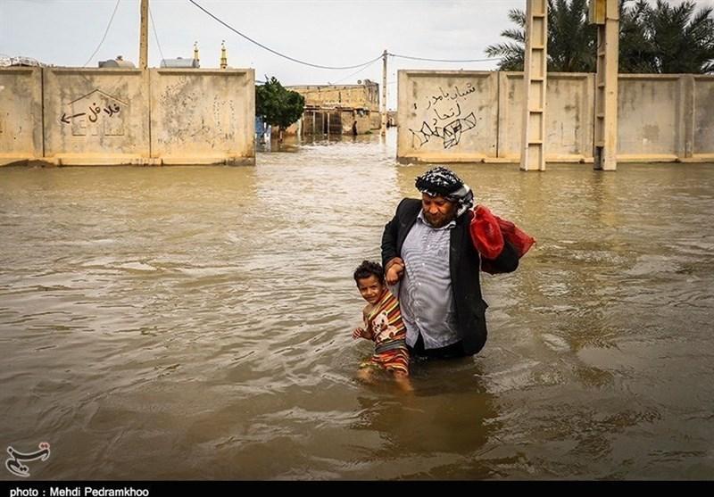 تازهترین اخبار بارندگی ایران| 53 نفر از سیلزدگان لرستان نجات یافتند/ مرگ 2 سیلزده الیگودرزی/ دستور تخلیه فوری شهر فتحالمبین + تصاویر