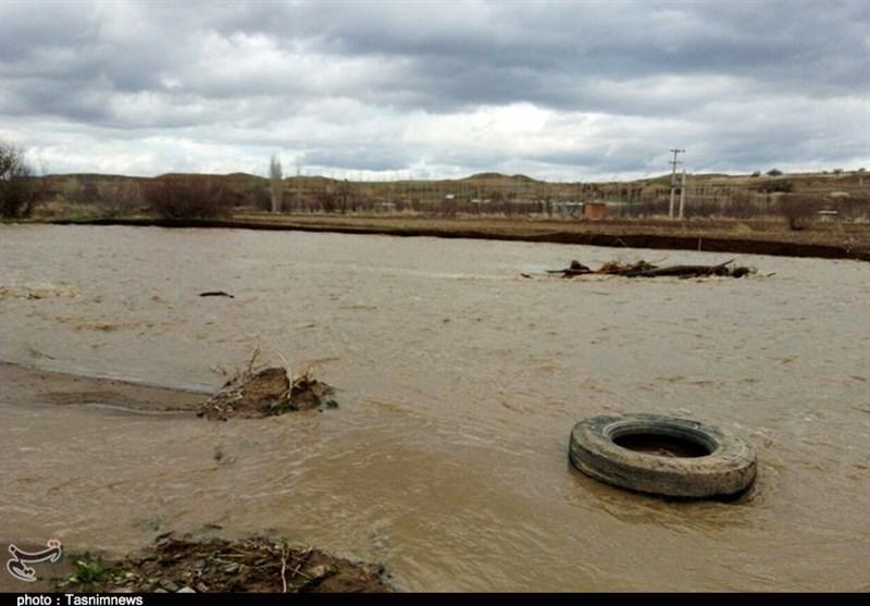 گزارش ویدئویی| طغیان رودخانهها و جاری شدن سیلاب در شرق گلستان/ شهرها و روستاها دچار آبگرفتگی شدند