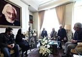 """رئیس سازمان صداوسیما در منزل مشایخی: """"رضا خوشنویس"""" و """"کمالالملک"""" را مردم از یاد نمیبرند"""