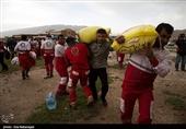 10 تیم عملیاتی هلال احمر در مناطق سیلزده لرستان امدادرسانی میکنند