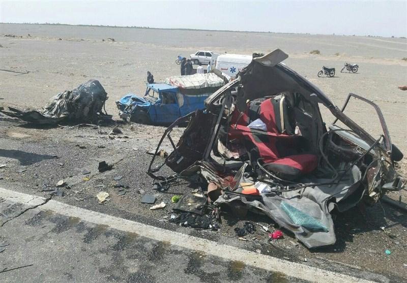 2 کشته و 5 مصدوم در تصادف مرگبار 2 دستگاه پژو در جاده ایلام به مهران