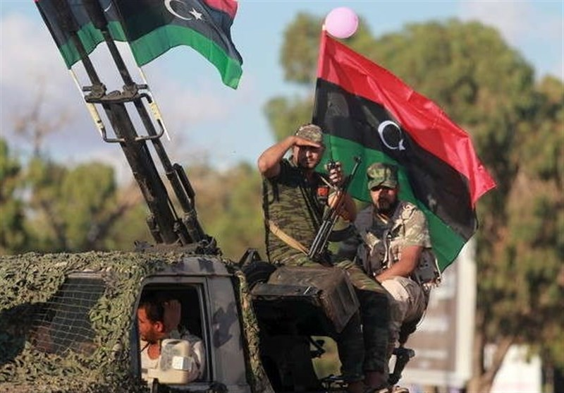 ورود ناوچه فرانسوی به شرق لیبی؛ تخلیه سلاح های فرانسوی برای ژنرال حفتر