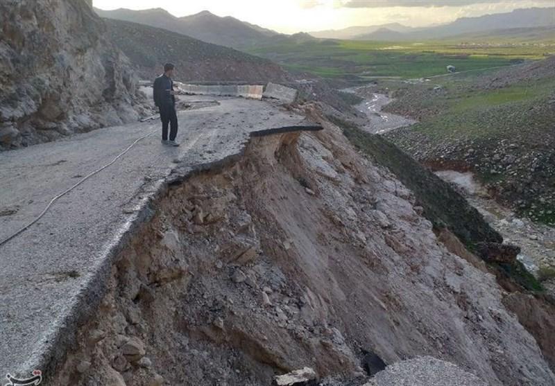 راه ارتباطی 14 روستای کوهدشت مسدود است؛ تخریب 42 پل