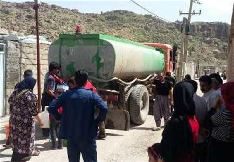 تانکرهای آبرسانی از بوشهر به مناطق سیل زده استان لرستان اعزام شد