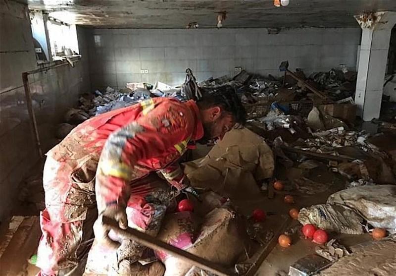 تصاویر/ امدادرسانی آتشنشانان تهرانی در مناطق سیلزده لرستان