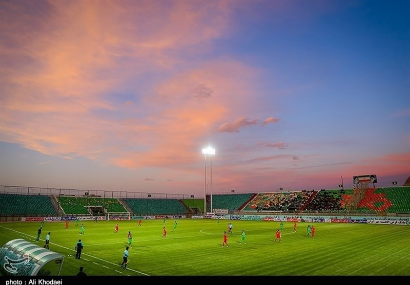 اصفهان| برطرف کردن نواقص ورزشگاه فولادشهر تا آغاز لیگ به نتیجه میرسد