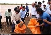 فرماندار دزفول: تا آرام شدن شرایط اهالی روستاهای سیل زده درمحلهای اسکان باشند