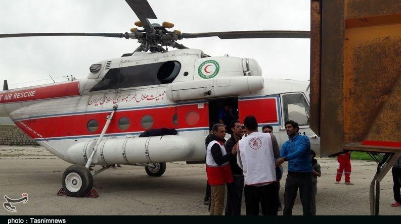 امداد هوایی به عشایر سیلزده کوهدشت؛ خط انتقال آب شرب روستاهای عشایری خسارت دید