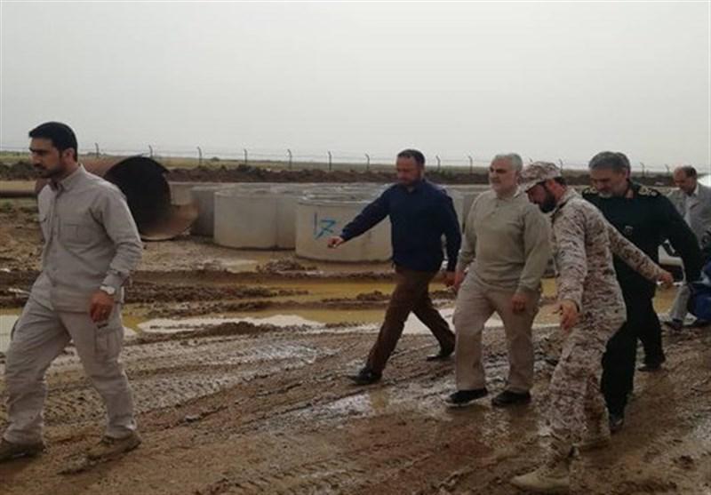 بازدید سرلشکر سلیمانی از مناطق سیلزده خوزستان / برگزاری جلسه هماهنگی راهاندازی مواکب در سوسنگرد، حمیدیه و بستان