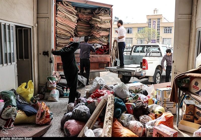80 تن مواد غذایی توسط سپاه اصفهان در 300 روستای سیلزده الیگودرز توزیع شد