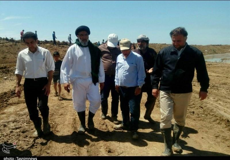 تصویری از جوشکاری نماینده جدید ولیفقیه در خوزستان