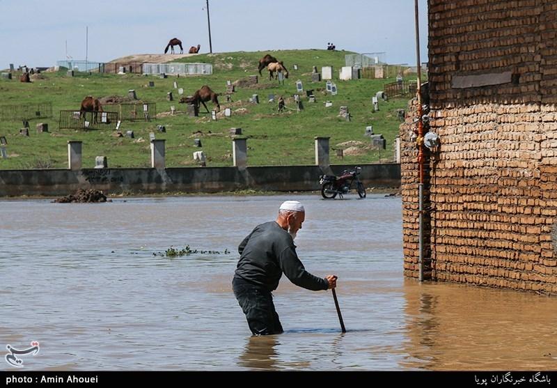 همدان| فرهنگیان تویسرکان به کمک سیلزدگان لرستان شتافتند