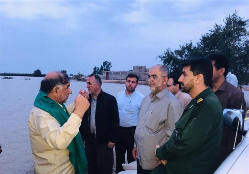 سپاه بوشهر به سیلزدگان شهرستان باوی و 5 روستای خوزستان کمکرسانی میکند
