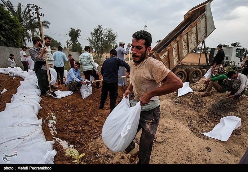درخواست کمک اهالی یک روستای محاصره در سیل + فیلم
