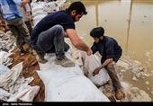 دعوت مادر شهید فرجوانی از مردم برای کمک به سیل زدگان خوزستان + فیلم