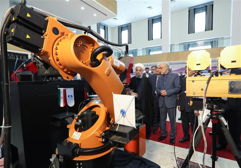 Iran Unveils New Achievements to Mark Nuclear Technology Day