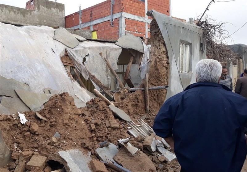 بارش رگباری باران در بجنورد| یک واحد مسکونی در منطقه جوادیه بجنورد تخریب شد + فیلم