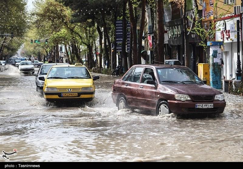 فرماندار نهبندان: بارندگیهای روز گذشته خسارتی نداشته است/ تعطیلی تمام مدارس شهری و روستایی