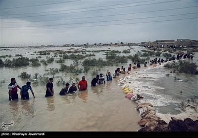 ساخت سیل بند جهت جلوگیری از تخریب روستاها و اماکن مسکونی