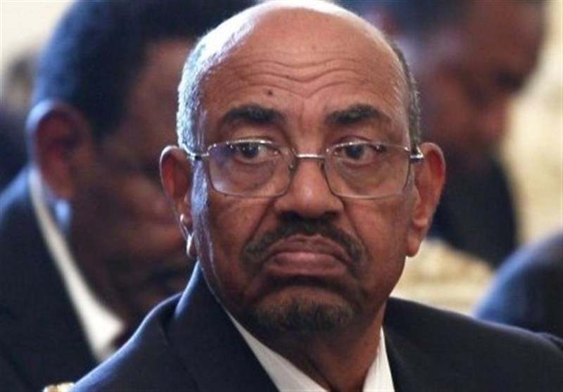 البشیر به فساد متهم شد/ ماموریت معاون پامپئو در سودان