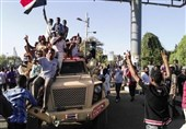 سودان|3شرط معارضان سودانی برای پایان دادن به تحصن؛ اولین تصمیم رئیس جدید شورای نظامی