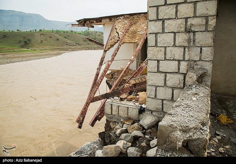 کرمان| راه ارتباطی 30 روستا منوجان مسدود شد