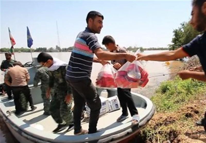 سپاه استان بوشهر روزانه 2000 پرس غذای گرم به سیلزدگان روستایی خوزستان تحویل میدهد