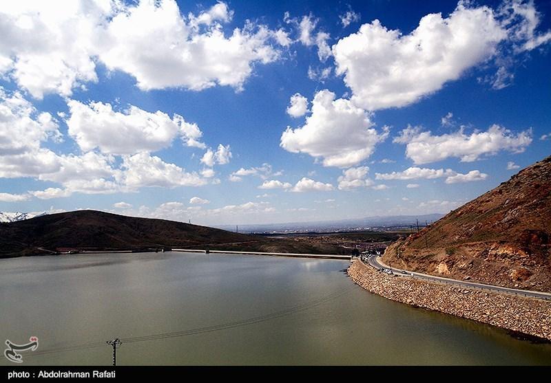 """سد """"خیرآباد"""" نیکشهر پس از 10 سال آبگیری شد"""