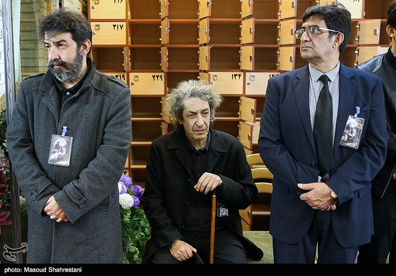 نادر مشایخی فرزند مرحوم جمشید مشایخی، آهنگساز و رهبر ارکستر