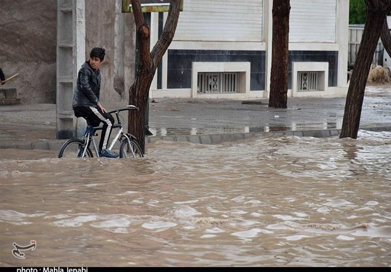 4 روستای هیرمند دچار آبگرفتگی شدند/تخلیه روستاها قبل از ورود آب 