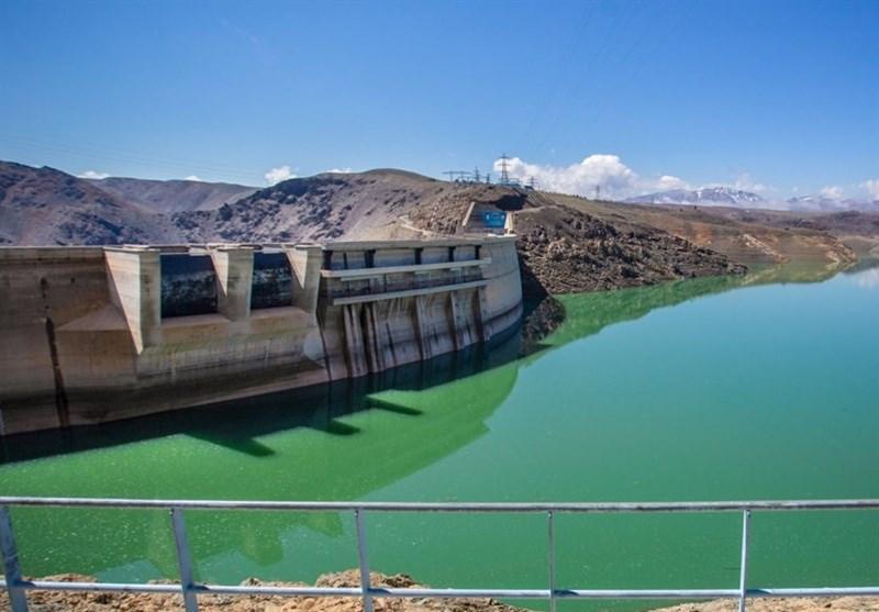 اصفهان| افزایش خروجی سد زایندهرود برای تأمین آب کشاورزی؛ رودخانه تا خردادماه جاری است