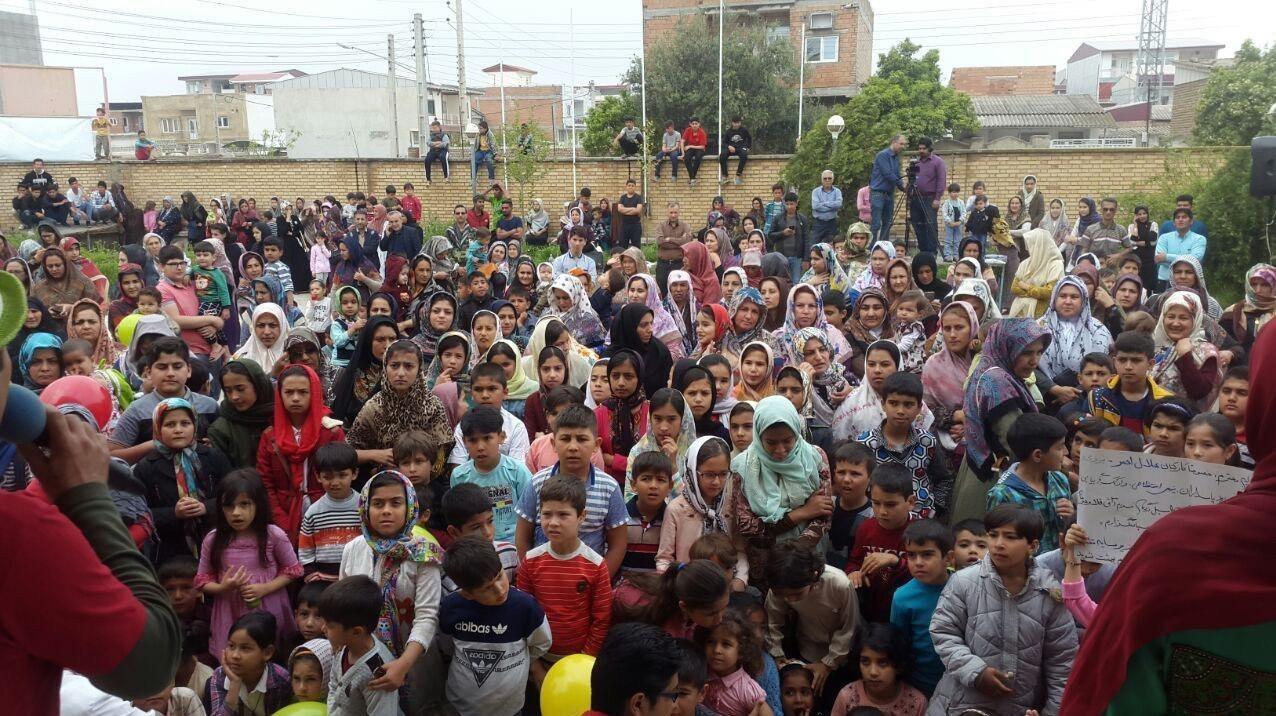 «با ما بیا» به استانهای سیلزده میرود                     اجرای برنامه کودک شبکه دو در مناطق سیلزده + عکس