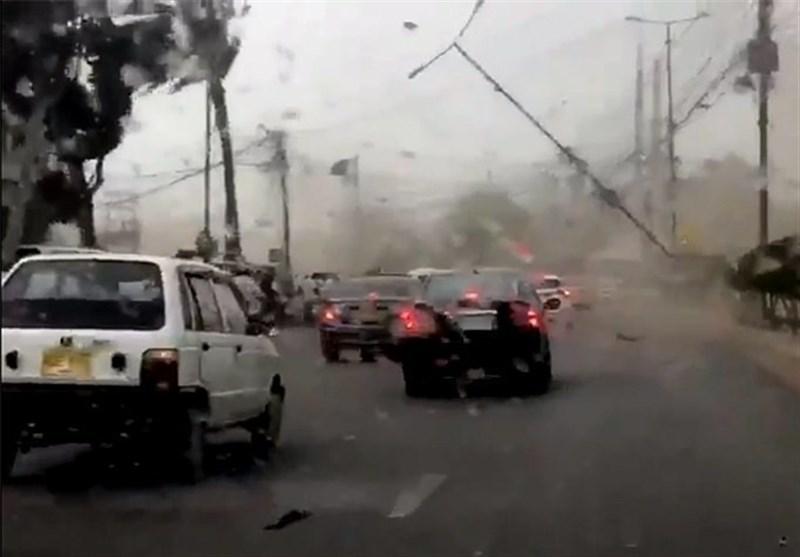 کراچی میں شدید طوفان سے متعدد افراد جاں بحق اور زخمی