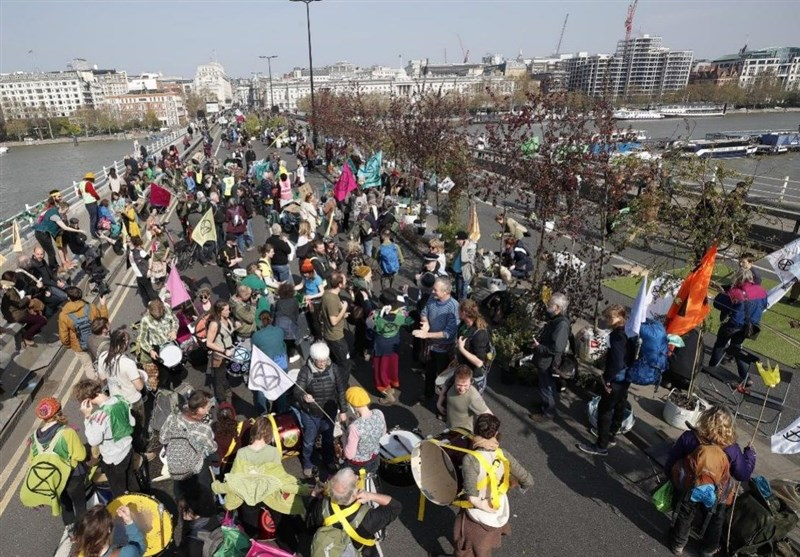 Climate Change Protesters Threaten to Block Central London Roads