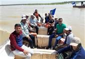 بازدید افشین قطبی و مسئولان باشگاه فولاد از یک روستای سیلزده + عکس