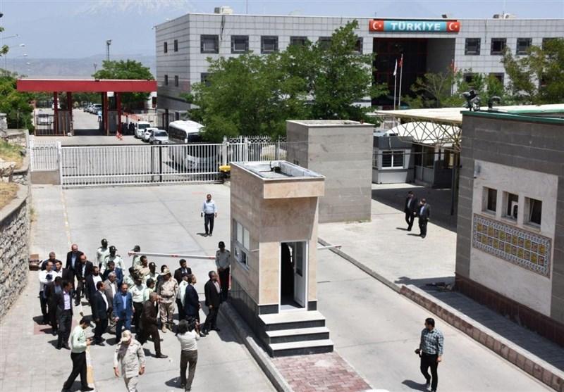المتحدث باسم الجمارک : عودة النشاط التجاری الى معبر بازرکان الحدودی مع ترکیا